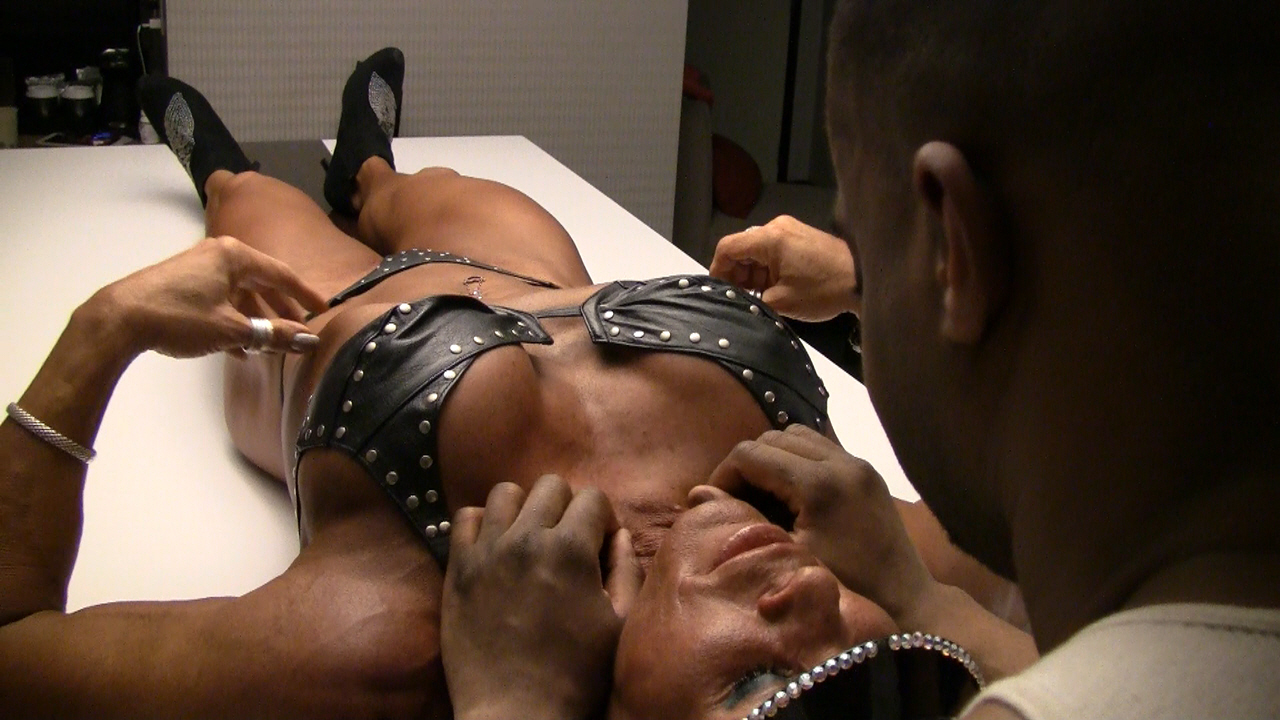 Amazing! muscle domination obedience